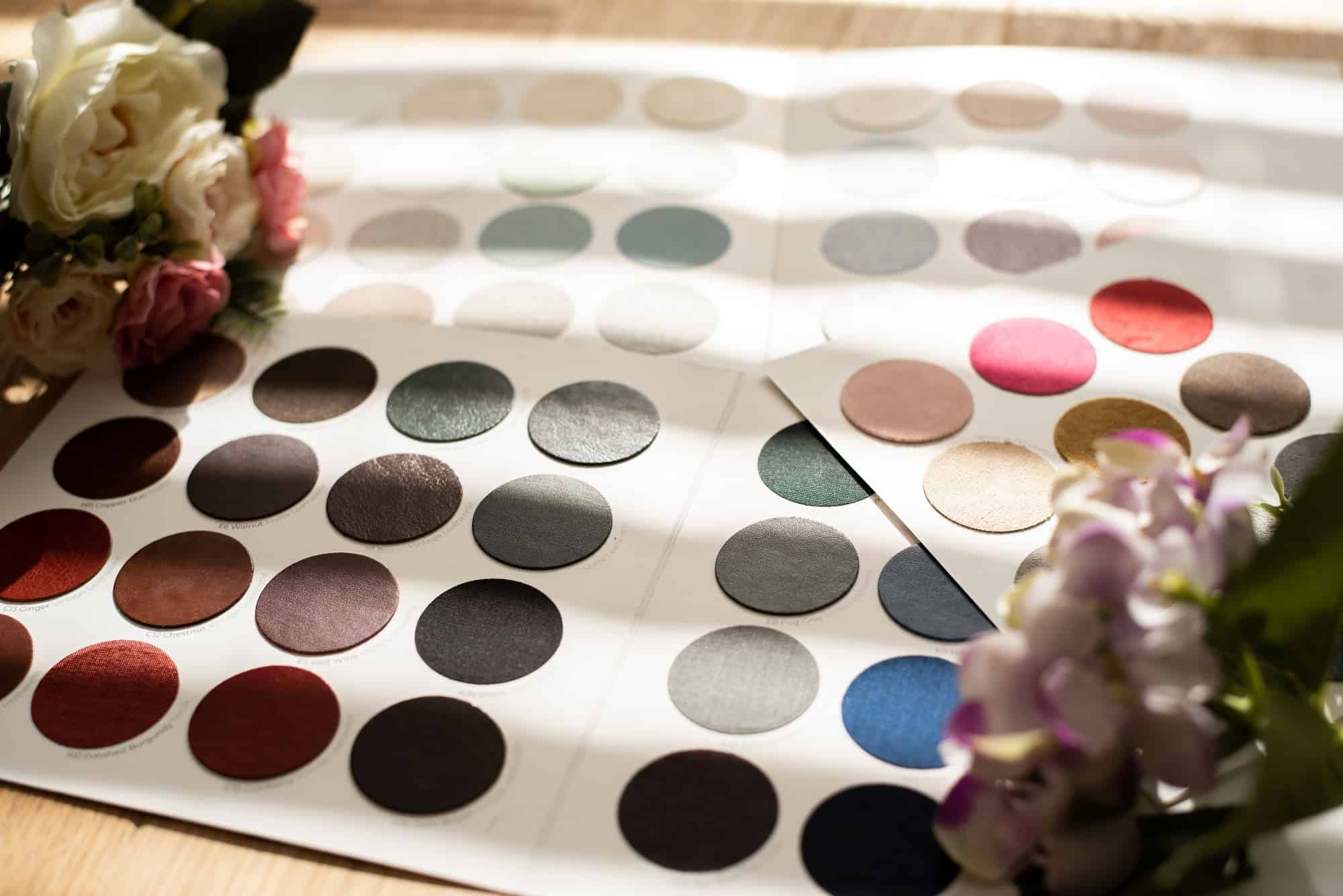 Material samples for albums and frames for your wedding